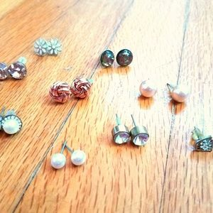 Bundle of stud earrings